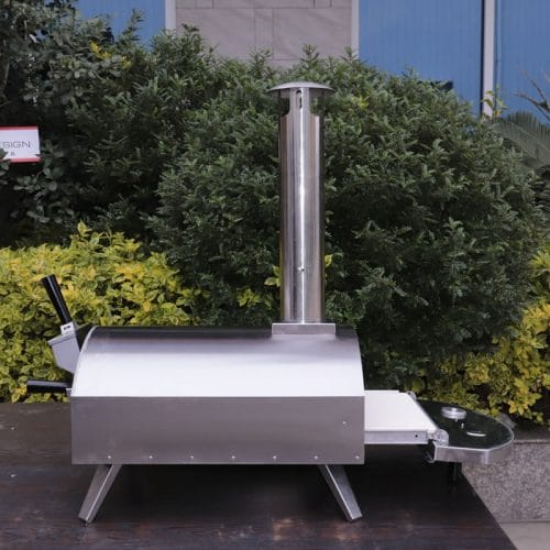 Portable wood-fired pizza oven with pull-out drawer